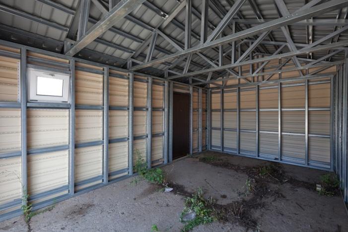 металлические двери в гаража