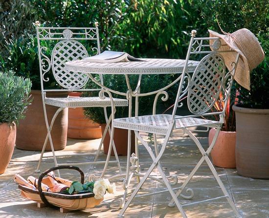 Как выбрать дачную мебель?