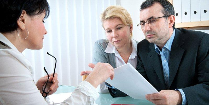 Как оформлять документы: самостоятельно или привлечь специалистов?