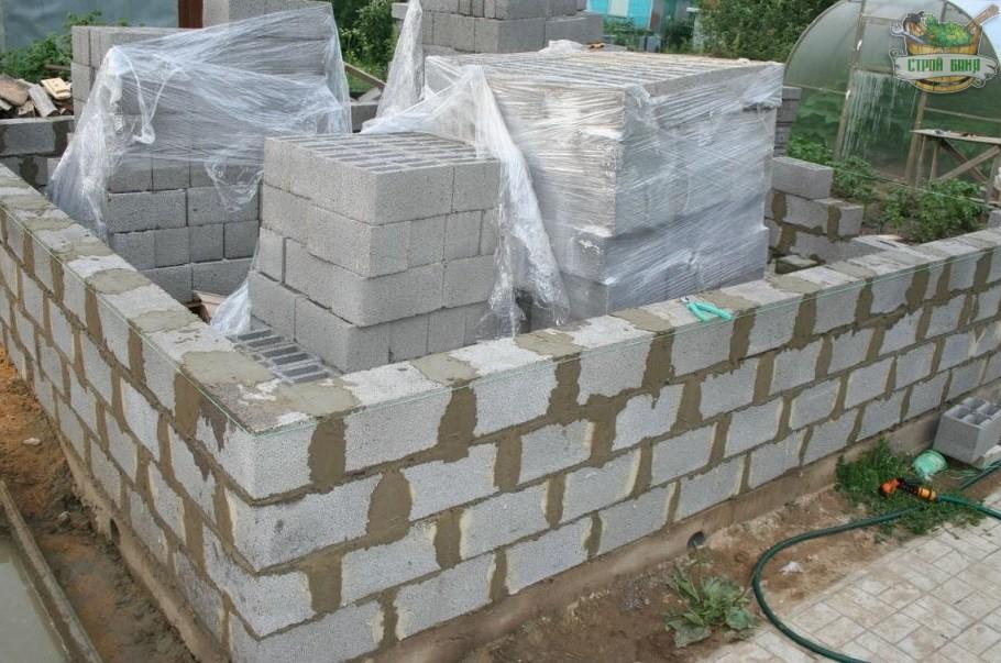 Строим баню из керамзитобетонных блоков своими руками