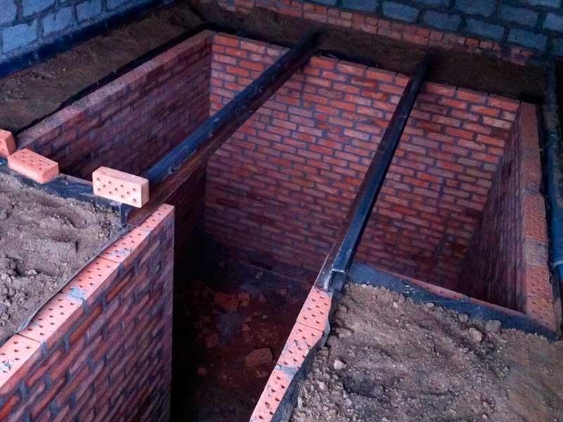 Устройство смотровой ямы или погреба
