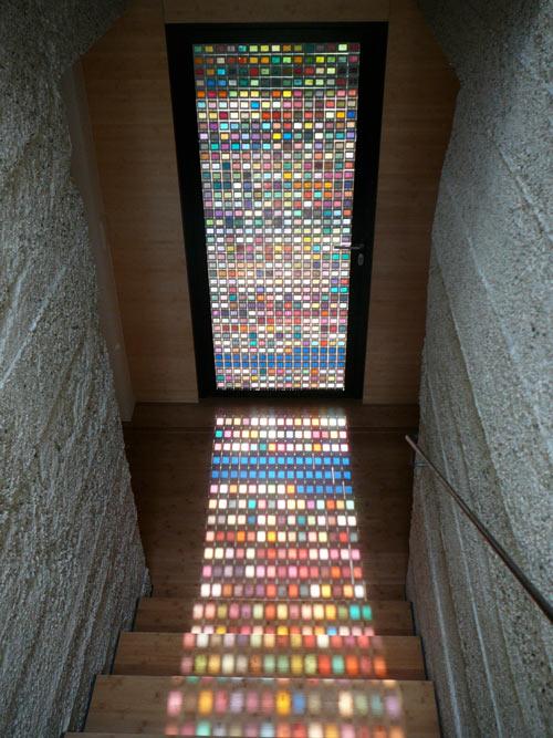Декорируем двери с помощью мозаики