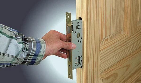 Регулировка дверной конструкции