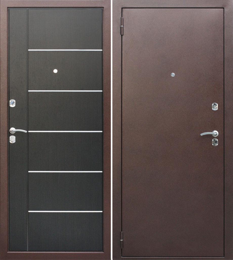 Декорируем двери с помощью молдингов