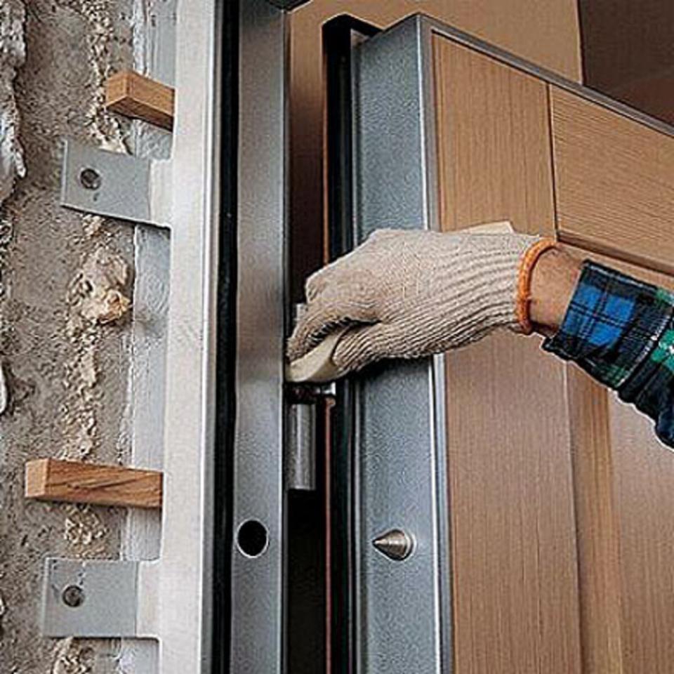 Стоит ли браться за установку дверей собственноручно