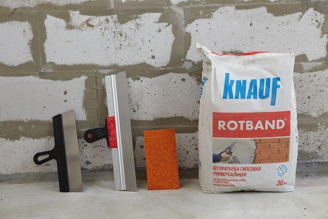Инструменты и подготовка стены