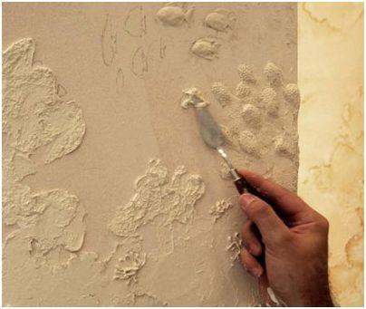 Приемы нанесения декоративной штукатурки на стены