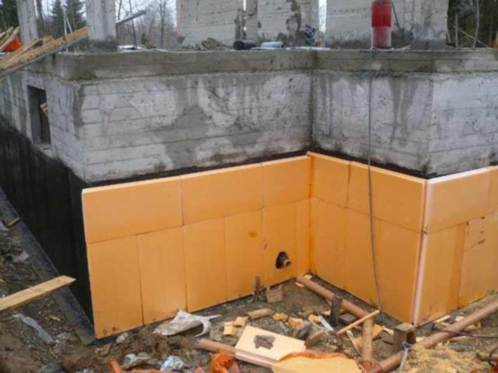 Утепление фундамента готового помещения