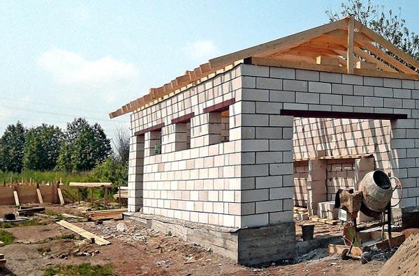 Как сделать крышу на гараж из пеноблоков