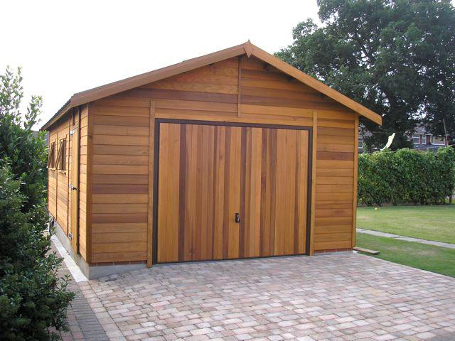 Дешёвый гараж из дерева