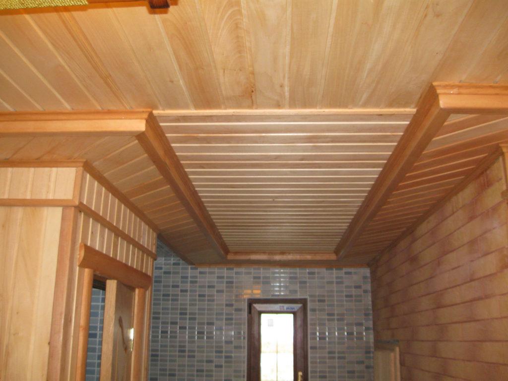 Отделка потолка в бане