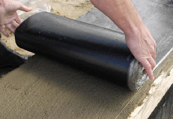 Шаг 1. Как провести гидроизоляцию под кладку