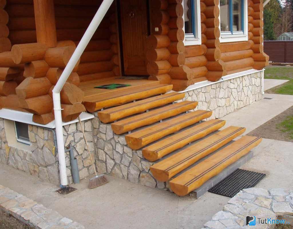 Как построить деревянное крыльцо своими руками: инструкция и 45
