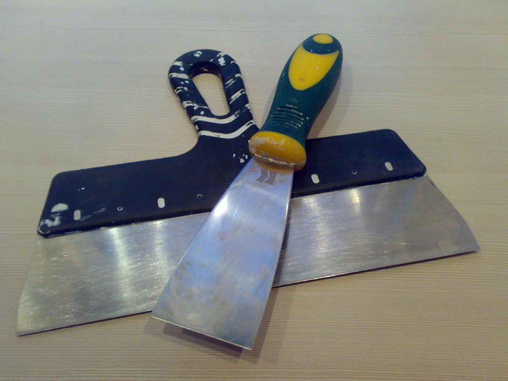 Инструмент, необходимый для заделки швов