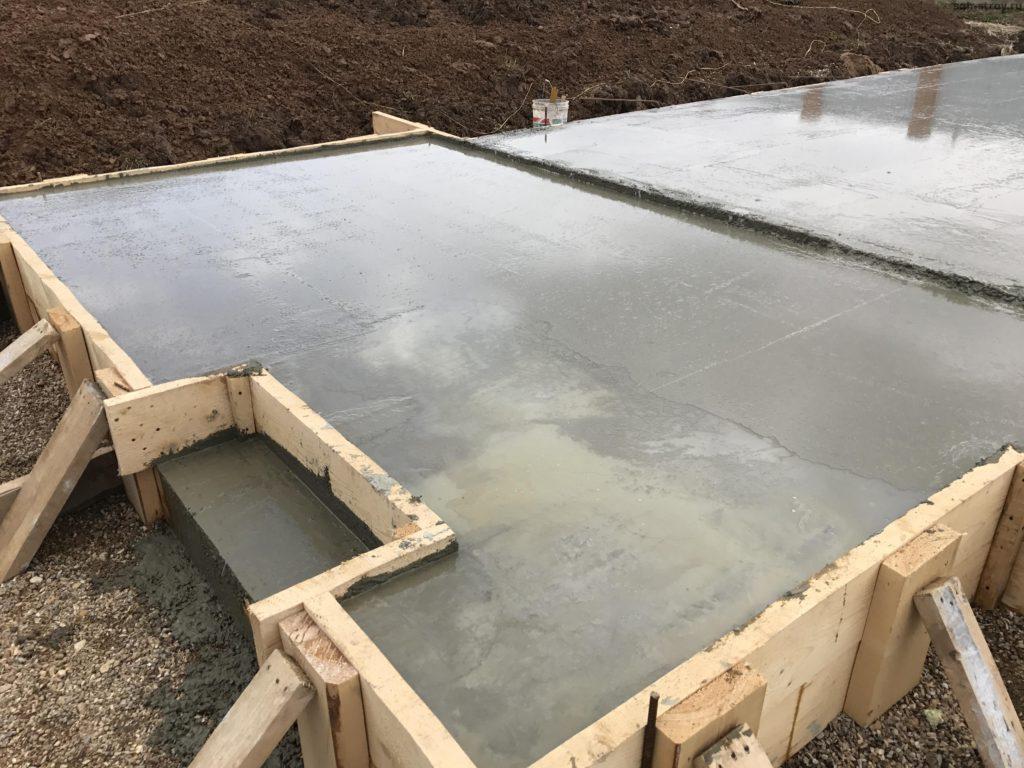 Фундамент в виде монолитной плиты для здания